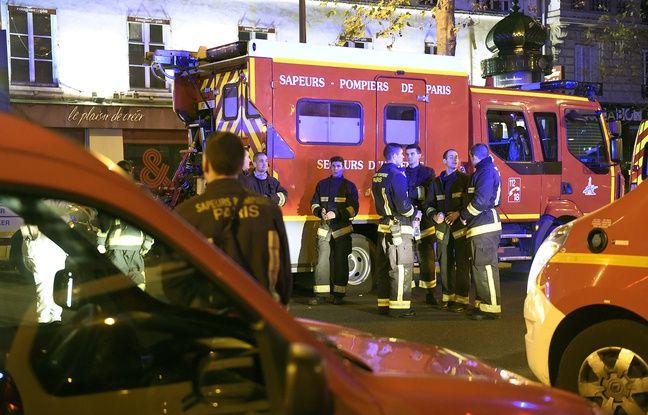 Secours et pompiers près du Bataclan à Paris, lors des attentats du 13 novembre 2015.