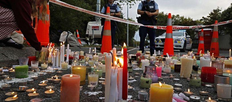 Le 18 mars 2019,des bougies en mémoire des victimes de Christchurch. AP Photo/Vincent Yu