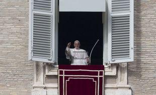 Le pape François pour l'Angelus au Vatican, le 25 octobre 2015.