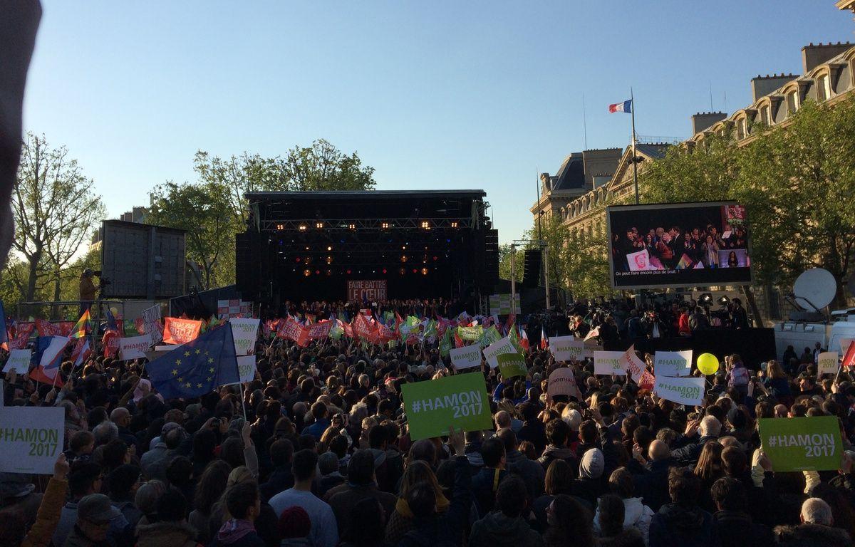 Rassemblement de Benoît Hamon, place de la République à Paris – Caroline Politi