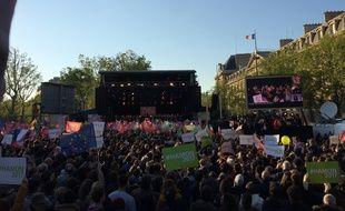 Rassemblement de Benoît Hamon, place de la République à Paris