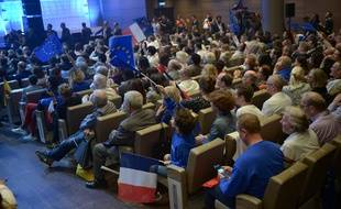 Des militants LREM lors d'un meeting à la Mutualité pour les européennes, le 24 mars 2019.