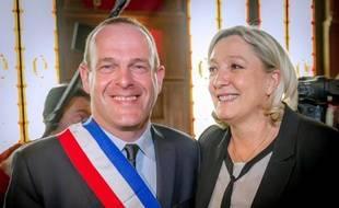 La présidente du Front national Marine Le Pen et le maire FN de Hénin-Beaumont, Steeve Briois, le 30 mars 2014