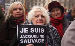 Plusieurs centaines de personnes se sont rassemblées à Paris, le 23 janvier 2016, pour défendre Jacqueline Sauvage.