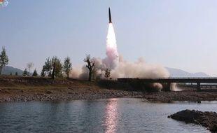 Une photographie d'un lancement de missile à courte portée diffusée par la télévision nord-coréenne, le 9 mai 2019.