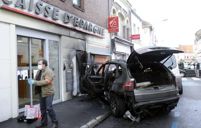 Des malfaiteurs ont attaqué un distributeur, le 28 septembre 2012, à Saint-Amand-les-Eaux.