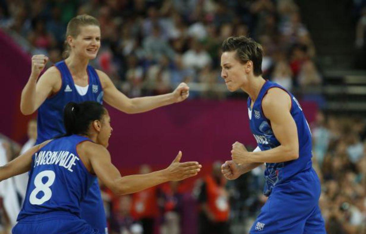 Les joueuses de l'équipe de France de basket, lors de leur victoire en demi-finale des Jeux olympiques, le 9 août 2012. – REUTERS