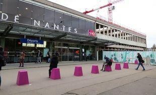 La partie du bâtiment nord qui abritait les guichets est en cours de réhabilitation à la gare de Nantes.