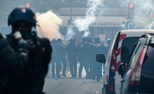 Tensions lors de la manifestation du 1er-Mai à Paris.