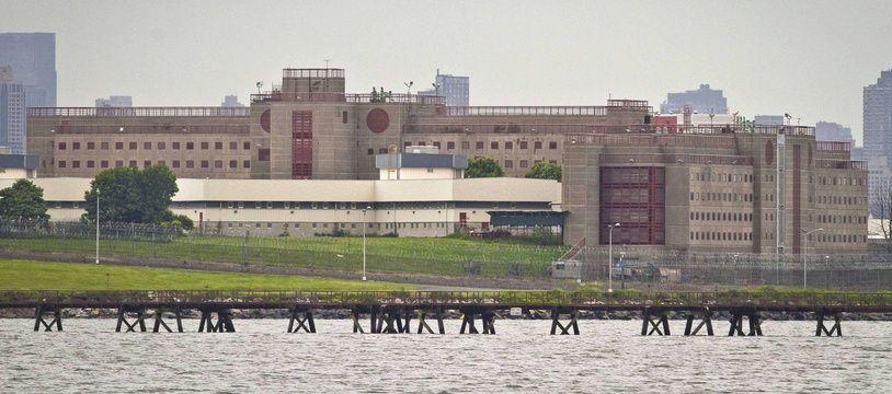 Illustration de Rikers Island, la prison dans le Queens.