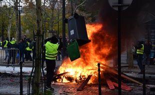 La manifestation des «gilets jaunes» à Paris a été marqué par de nombreuses  violences 6acbc6c96ff