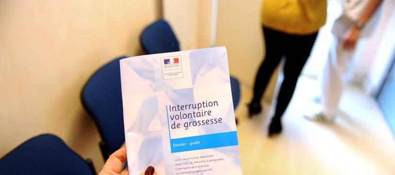 Une brochure d'information sur l'IVG.