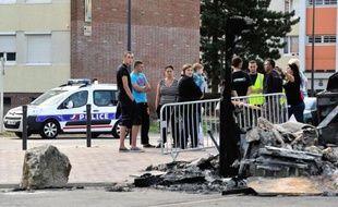 Trois hommes âgés de 20 à 30 ans ont été condamnés à des travaux d'intérêt général par le tribunal correctionnel d'Arras, devant lequel ils comparaissaient mardi pour leur participation aux violences urbaines qui ont touché à la mi-août la ville d'Avion (Pas-de-Calais).
