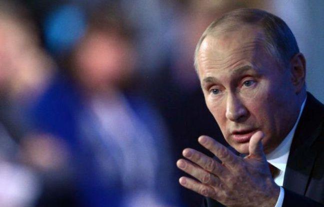"""Il n'y a pas de """"système autoritaire"""" en Russie, a affirmé jeudi le président Vladimir Poutine, avant de se lancer dans une vive critique des Etats-Unis et de soutenir l'interdiction faite désormais aux Américains d'adopter des enfants russes."""