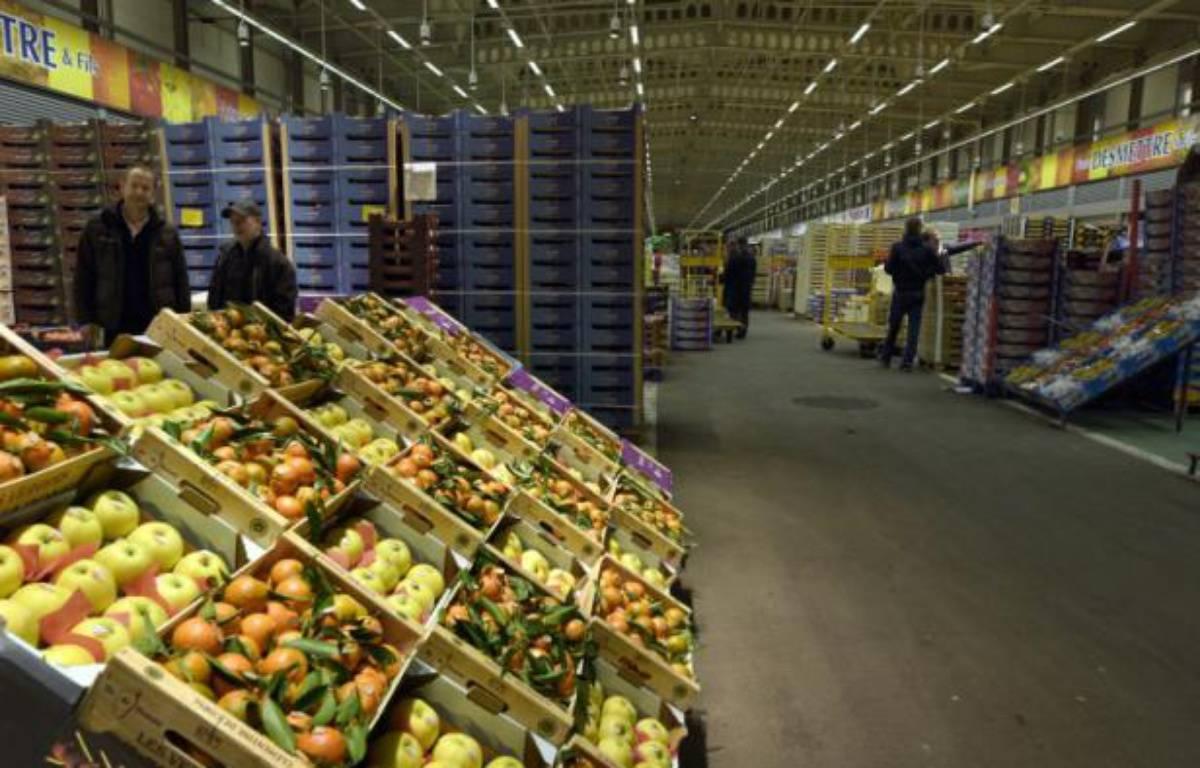 Le rayon fruits et légumes du marché de Rungis, le 19 novembre 2015, au sud de Paris – ADRIEN MORLENT AFP