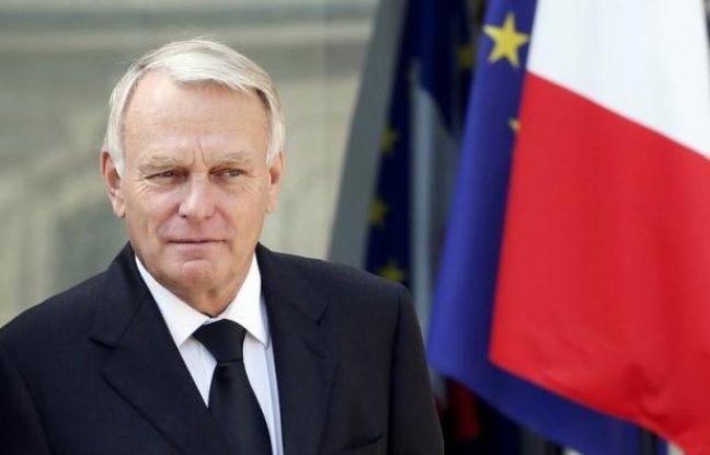 """Jean-Marc Ayrault a confirmé vendredi que l'engagement de François Hollande durant la campagne présidentielle de créer une taxe exceptionnelle de 75% sur les revenus dépassant un million d'euros par an serait """"tenu""""."""