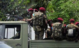 Des soldats de RDC patrouillent dans les rues de Kinshasa, le 12 octobre 2014