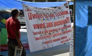 Une tente montée par des élèves-enseignants à Chilpancingo le 14 octobre 2014, pour réclamer la vérité sur la disparition de 43 d'entre-eux