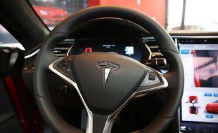 L'habitacle d'une Tesla Model S.