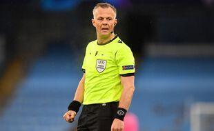 Bjorn Kuipers, l'arbitre néerlandais par lequel le scandale est arrivé (selon des joueurs du PSG).