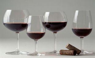Des millions de bouteilles de vin de Bordeaux sont vendus chaque année.