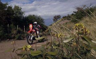 Le motard Thierry Béthys entre Cordoba et San Miguel de Tucuman sur le Dakar 2011, le 3 janvier 2011.