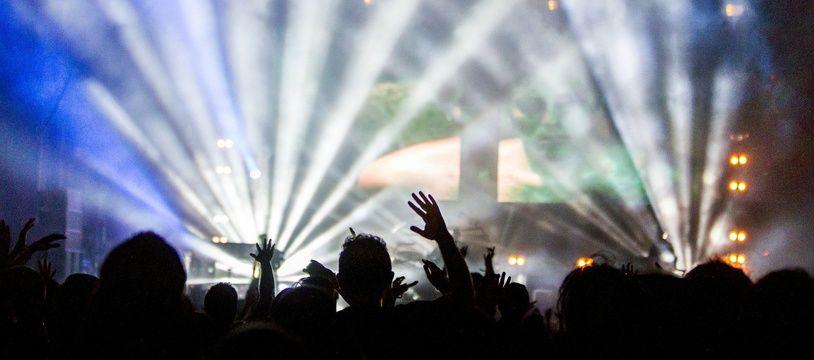 Photo d'illustration d'une rave party.