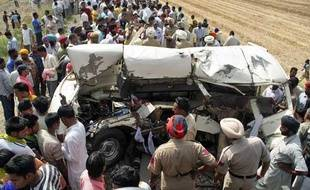 Collision entre un train et un camion, le 20 mai 2009 dans le nord de l'Inde.