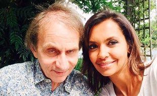 Michel Houellebecq et Karine Le Marchand, sur le tournage du bilan de «L'amour est dans le pré», à Limoges (Haute-Vienne), en juin 2016.