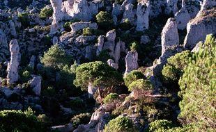 Le cirque dolomitique de Mourèze, et ses statues de calcaire sculptées par l'érosion.