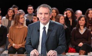 François Bayrou sur le plateau de «Des paroles et des actes», sur France 2, le 8 mars 2012.