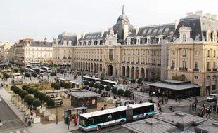 Vue d'ensemble de la place de la République, à Rennes.