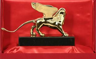 Un lion d'or, illustration de la récompense de la Mostra de Venise