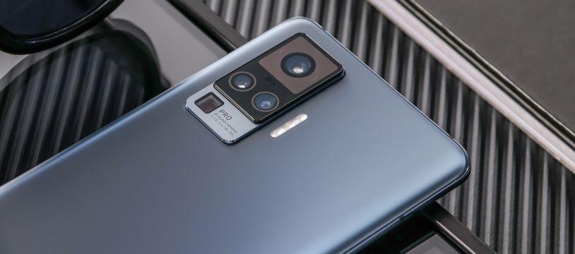 Le Vivo X51 est équipé d'un module photo principal de 48 mégapixels.