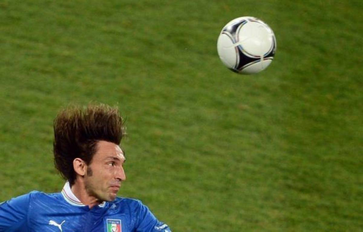 """Une """"Panenka"""" réussie pour l'un, un tir au but arrêté pour l'autre, et une empreinte impériale sur l'Italie, qualifiée pour les demi-finales de l'Euro-2012 aux dépens de l'Angleterre dimanche (0-0 a.p., 4-2 t.a.b.): Andrea Pirlo et Gianluigi Buffon sont éternels ! – Jeff Pachoud afp.com"""