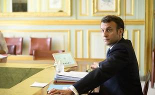 Emmanuel Macron participe au G20 en visioconférence, le 26 mars 2020 à l'Elysée.