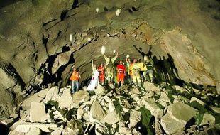 Les ouvriers ont achevé hier à midi le percement du second tube du tunnel, qui se visite partiellement samedi.