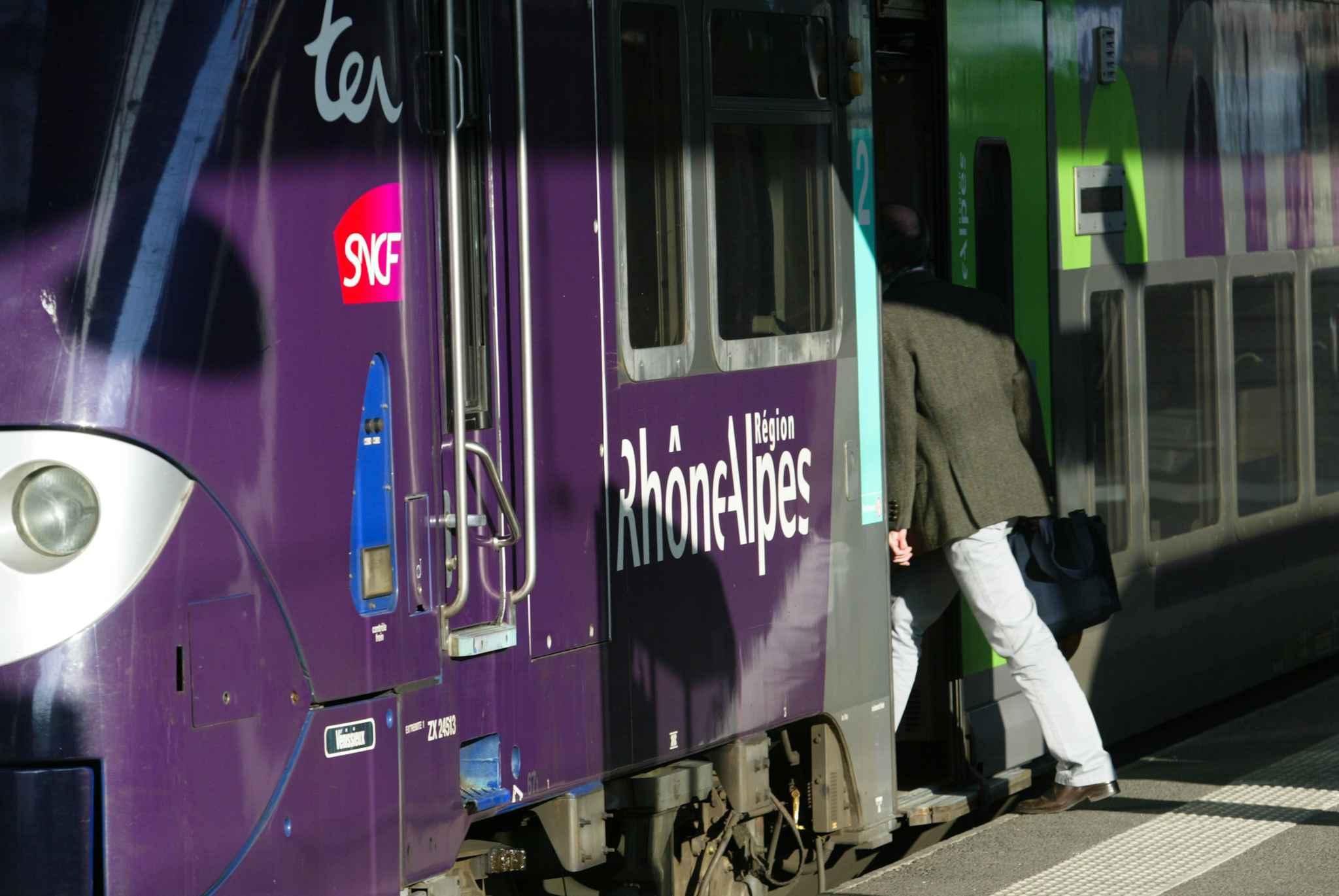 Les Usagers De La Ligne Lyon Chamb Ry Grenoble Sur Les Nerfs
