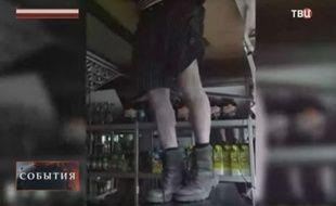 Le voleur s'est retrouvé coincé dans le plafond du magasin qu'il était venu cambrioler.