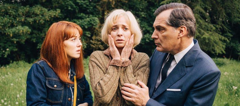 Blandine Bellavoir, Samuel Labarthe, Elodie Frenck dans l'épisode Ding Dingue Dong des «Petits meurtres d'Agatha Christie».
