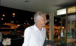 """L'ancien Premier ministre Dominique de Villepin, mis en cause dans l'affaire Clearstream, est convoqué ce vendredi à 10H00 devant les juges qui devraient le mettre en examen notamment pour """"complicité de dénonciation calomnieuse""""."""