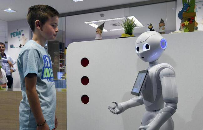 648x415 le robot pepper tire sa reverence