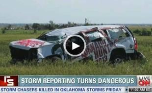 Capture d'écran de la vidéo de CNN montrant la voiture accidentée des chasseurs d'orages, le 31 mai 2013 dans l'Oklahoma.