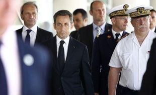 Nicolas Sarkozy en visite à l'hôpital militaire de Percy, à Clamart, le 14 juillet 2011.