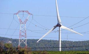Un éolienne à Lézignan dans les Hautes-Pyrénées, le 16 septembre 2012