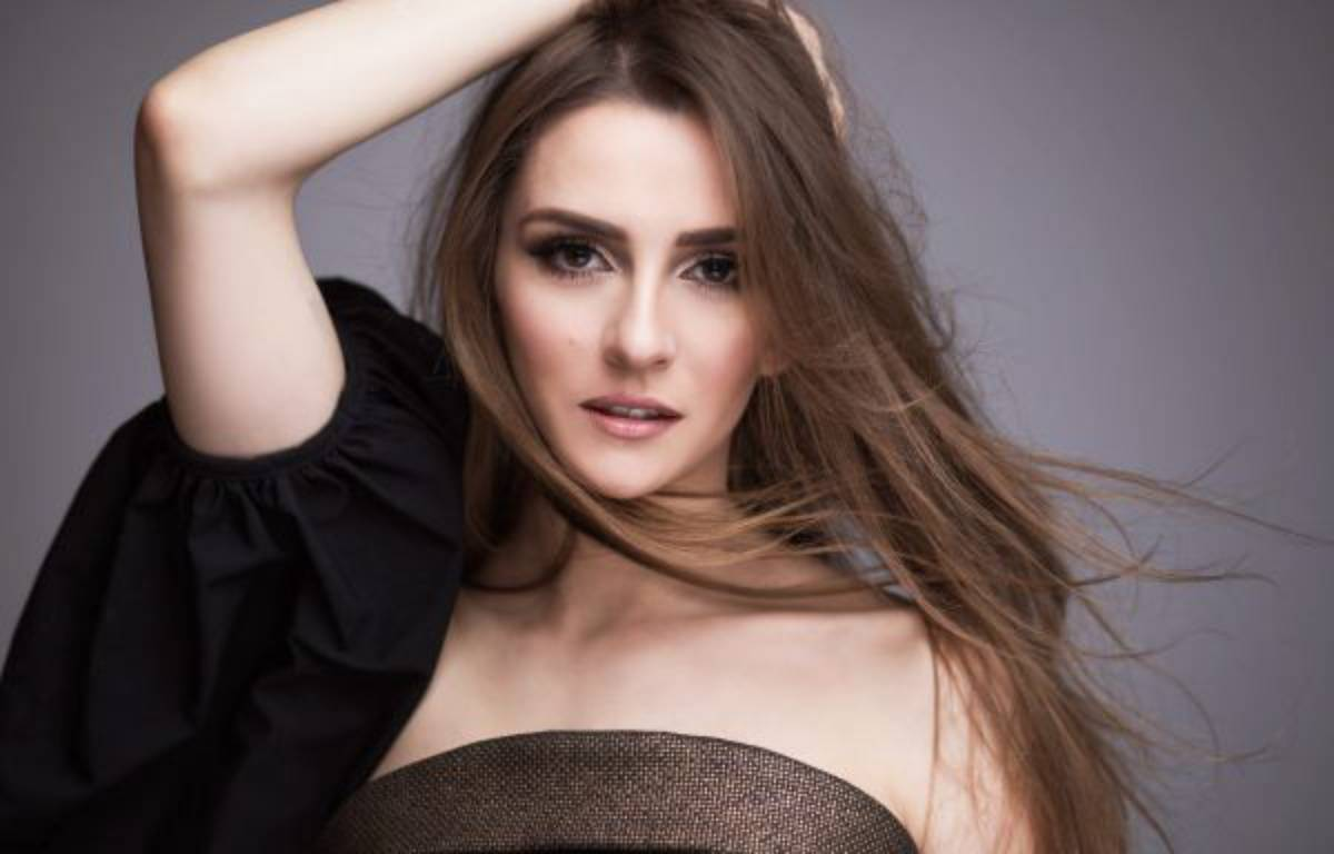 Jana Burceska, candidate de la Macédoine à l'Eurovision. – Dimitar Petrovski & Andrijana Kostova Petrovska