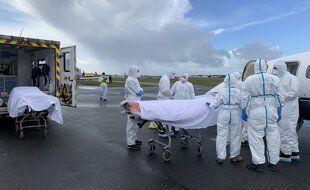Les patients transférés à Bordeaux ce lundi arrivent de Saint-Etienne
