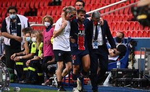 Juan Bernat ne rejouera pas avec Paris avant le printemps 2021.