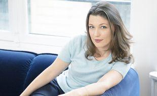 """Salomé Berlioux, autrice d'un premier roman """"La Peau des pêches"""" (Editions Stock)"""
