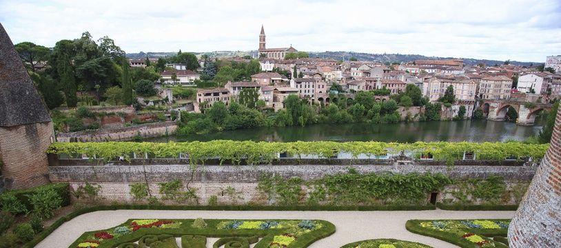 L'homme de 29 ans est tombé dans la rivière Tarn, en contrebas du palais de la Berbie, à Albi.